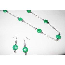 UK Collection Lange Kette mit passenden Ohrringen in grün un silber