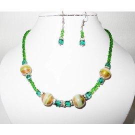 UK Collection Halsketting met oorbellen in groen en goud tinten