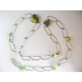 UK Collection Lange Halskette mit Ohrringen in grün und Silbertönen