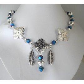 UK Collection Ketting en oorbellen in blauw iriserend en zilver