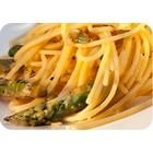 Spaghetti met asperges en bloedsinaasappel