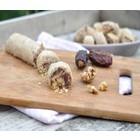 Gevulde dadelkoekjes met walnoten en sesampasta