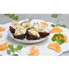 Gevulde dadels met geitenkaas, noten en mandarijnen