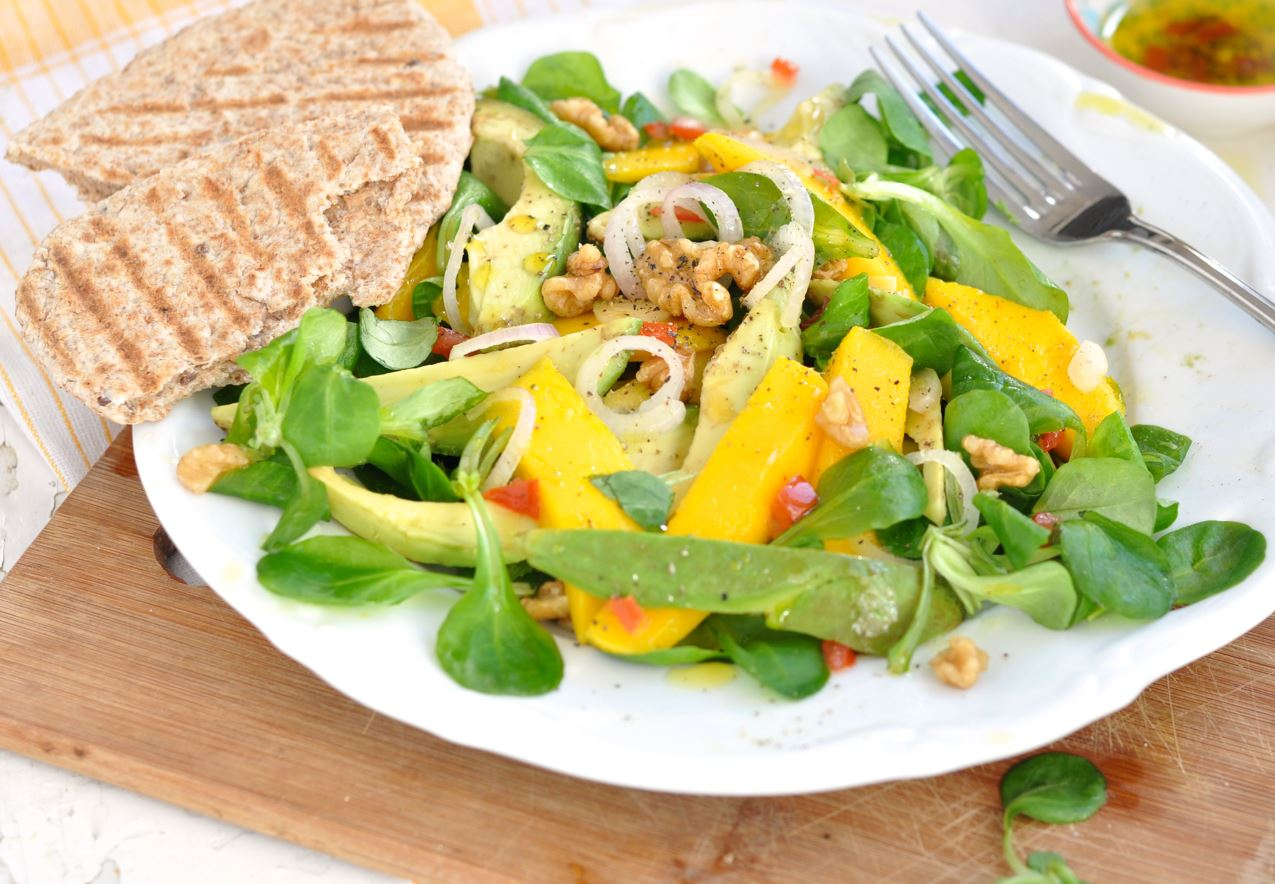 AVOCADO-MANGO SALAD with Walnuts