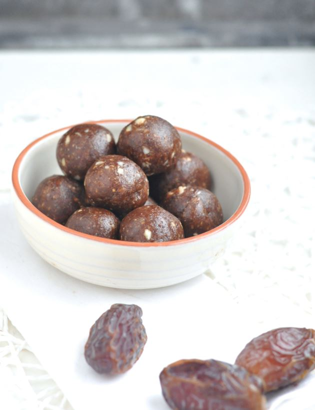 Medjoul dates chocolate balls