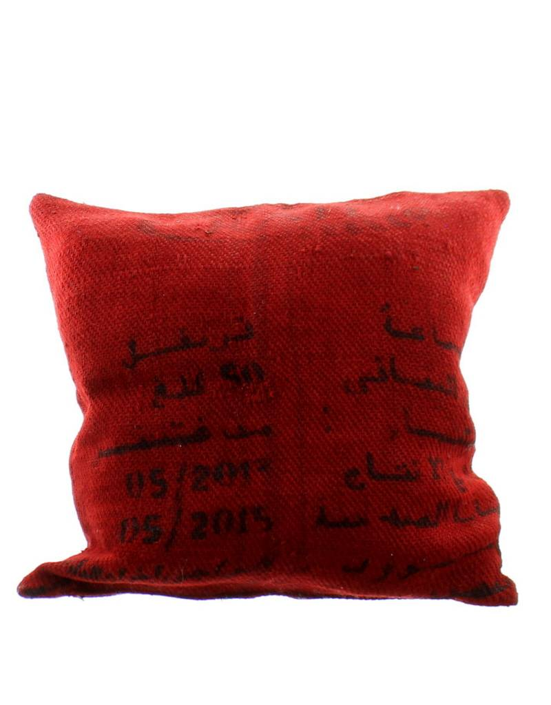 Coussin en toile de jute teint e rouge rue du maroc - Coussin toile de jute ...