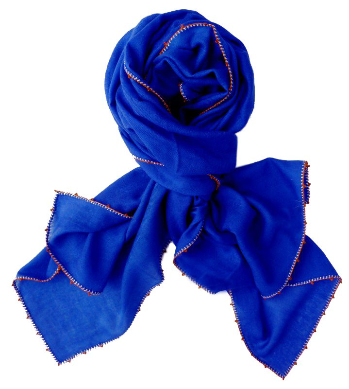 Léo Atlante king's blue scarf