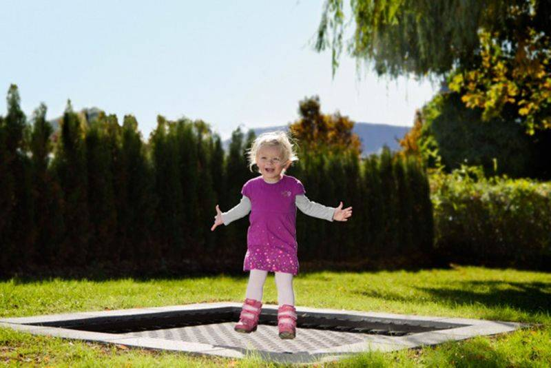 kids tramp playground gross eckig eurotramp trampolin elementarbereich roth e k. Black Bedroom Furniture Sets. Home Design Ideas
