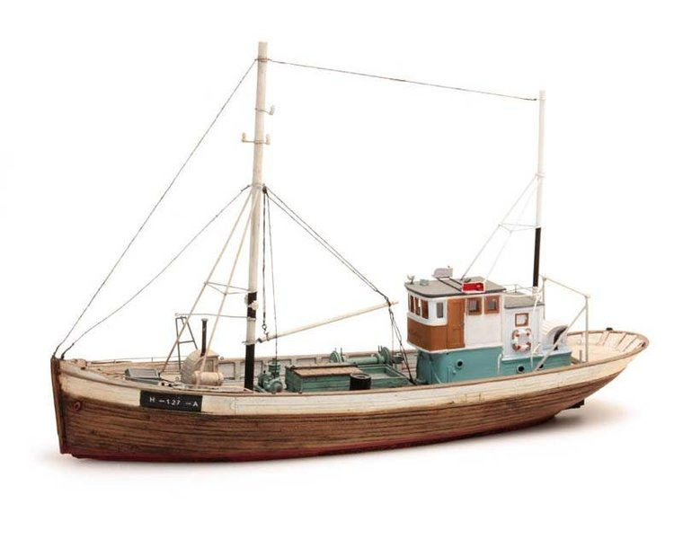Norwegean fishingboat Framtid I waterline