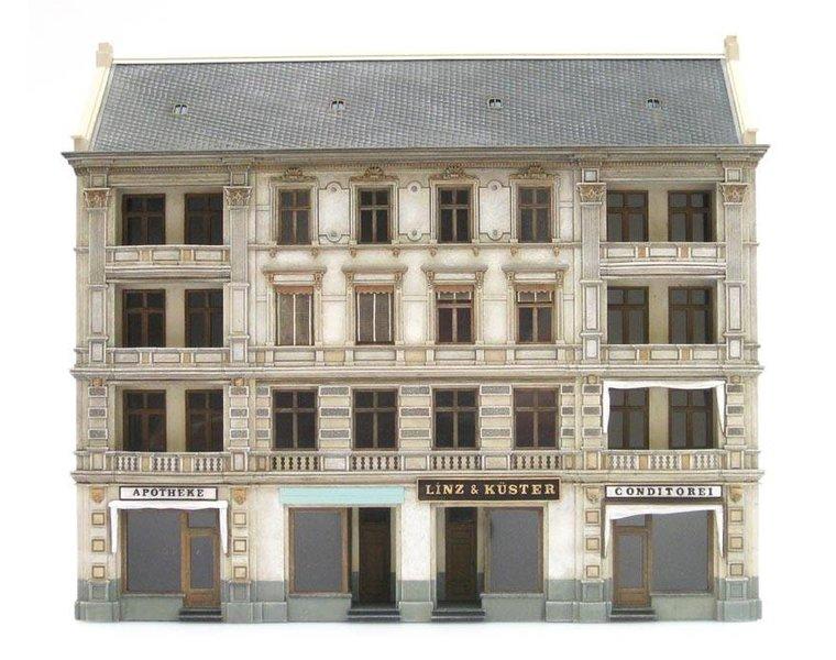 Facade of Linz & Küster