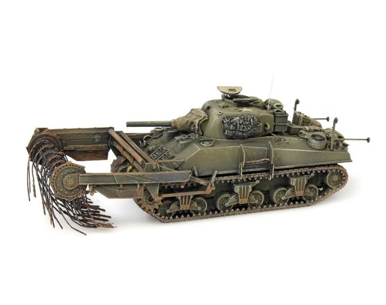 Sherman M4A4 Crab, mine clearing tank, UK / US