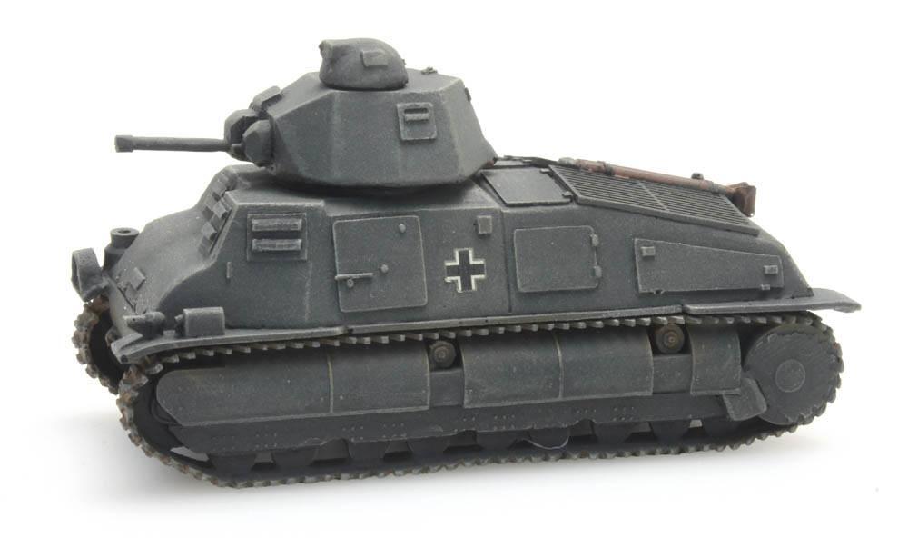 German Army captured Somua S-35, gray