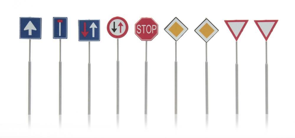 Dutch traffic signs 9 pieces