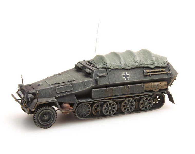 Sd. Kfz 251 / 8B with cover, gray