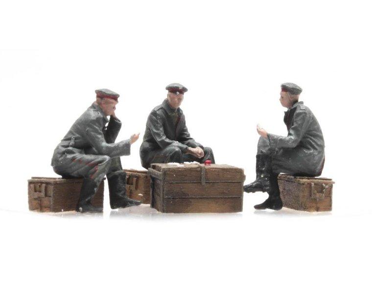 Kartenspielende deutsche Soldaten