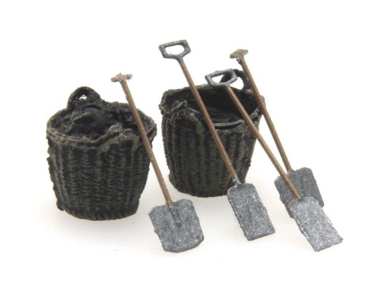 Flachschaufel, Korb und Grabschaufel