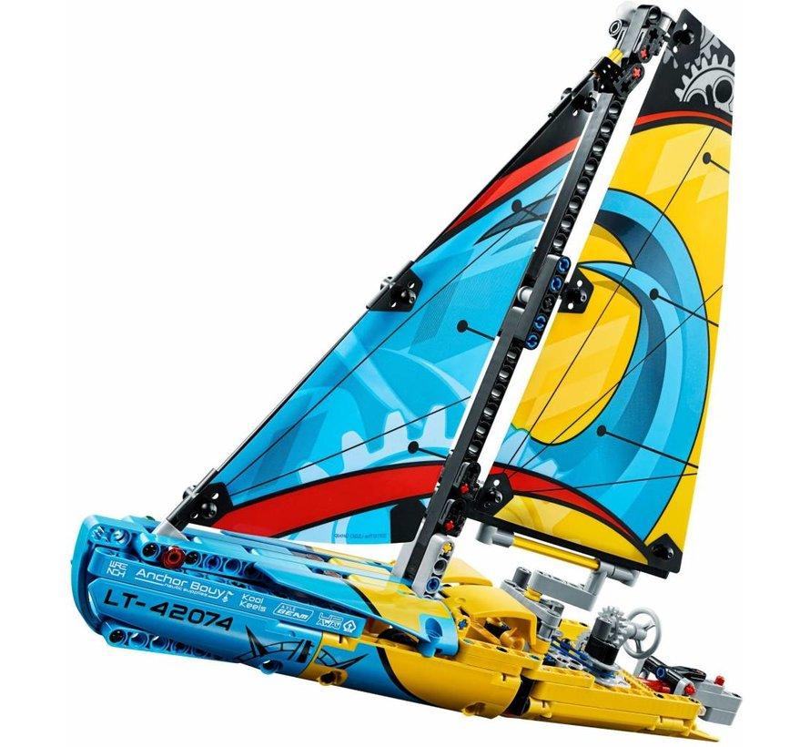 42074 Technic Racejacht