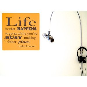 Tekst op canvas Life is what happens..