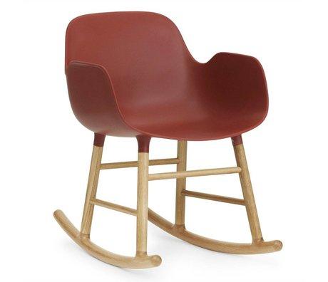 Normann Copenhagen Schommelstoel met armleuning Form rood kunststof eiken hout 73x56x65cm