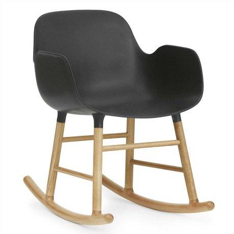 Normann Copenhagen Schommelstoel met armleuning Form zwart kunststof eiken hout 73x56x65cm