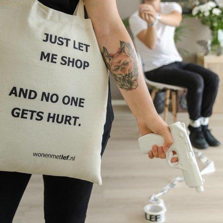 "LEF collections Shopper met tekst ""JUST LET ME SHOP AND NO ONE GETS HURT"" katoen 38x42cm"