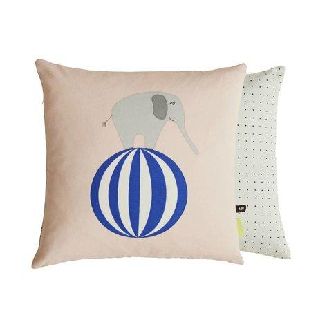 OYOY Sierkussen Olifant op bal tweezijdig roze grijs katoen 40x40cm
