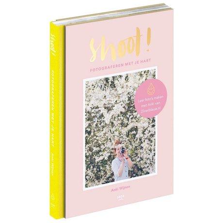Uitgeverij Snor Boek Shoot! multicolour papier 2x25,7x17,6cm