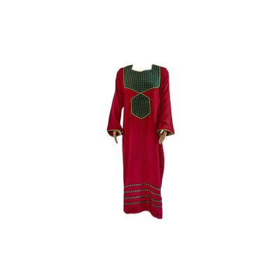 Arab Jilbab Kaftan in burgundy with applique