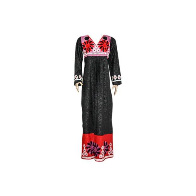 Besticktes arabisches Kleid in Schwarz