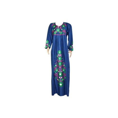Besticktes arabisches Kleid in Indigoblau