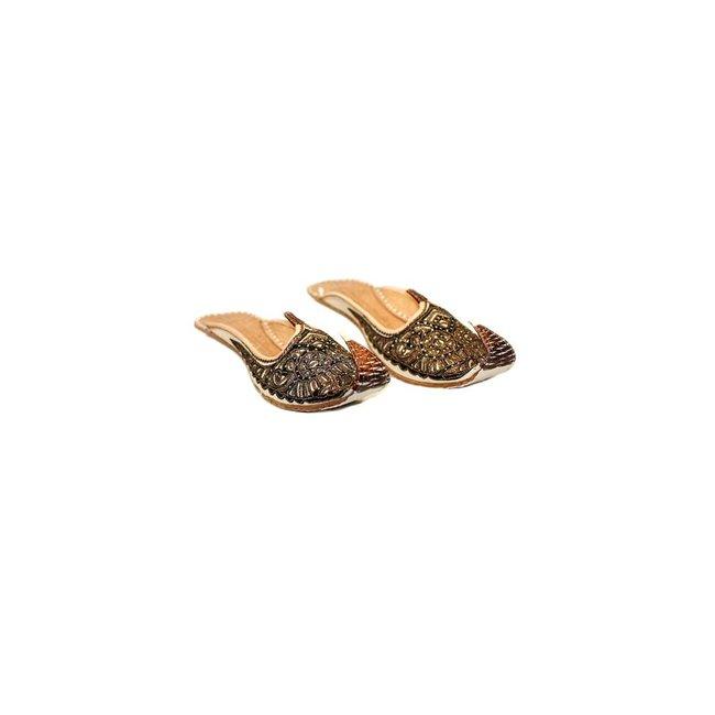 Offene indische Khussa Schuhe in Braun-Weiss