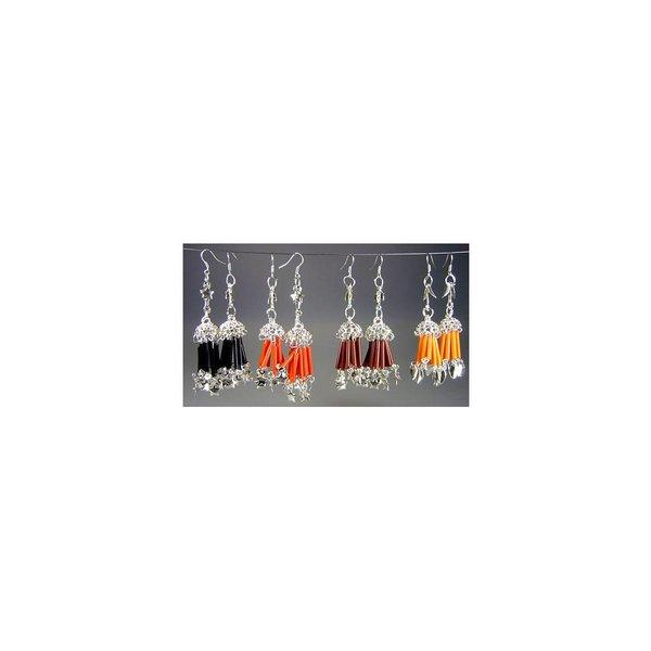Orientalische Ohrringe mit Perlen in verschiedenen Farben