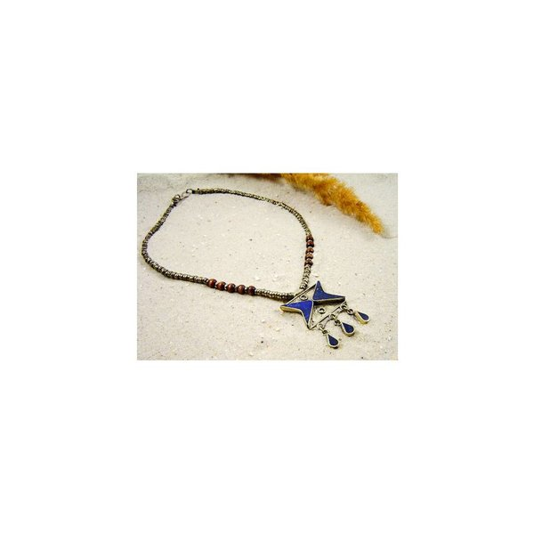 Tribal necklace with lapis lazuli and wooden beads 44cm
