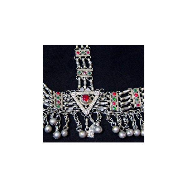 Headdress tribal with chain links