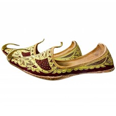 Men Khussa in Gold Red