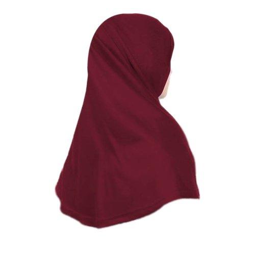 Amira Hijab in Dunkelrot