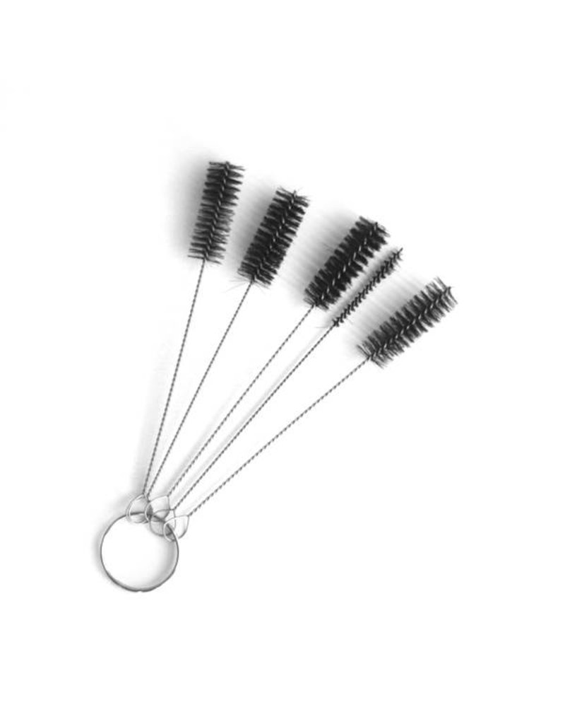 Brushes to clean the tube tips