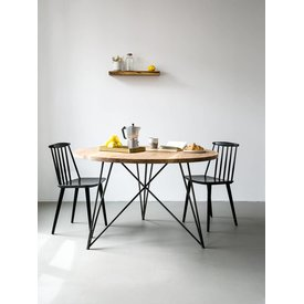 "NUTSANDWOODS Design-Esstisch ""Oak Steel Table Round"" von NUTSANDWOODS"