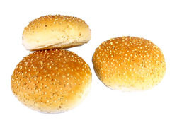 Hamburger broodje met sesamzaadjes