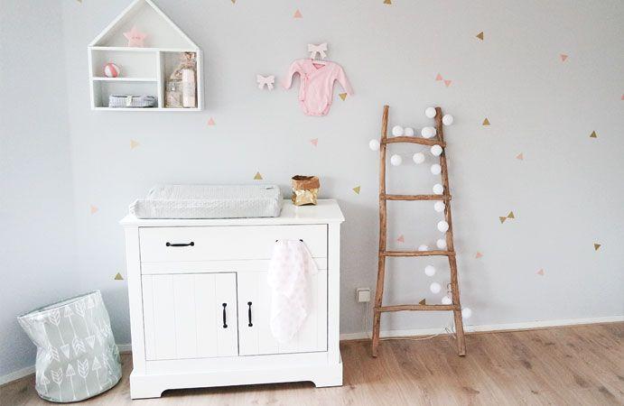Babykamer met een gouden randje