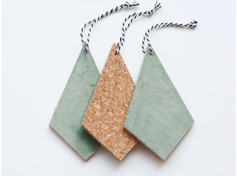 Wonen voor jou Drie hangers kurk met mosgrijs velours