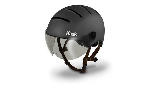 https://static.webshopapp.com/shops/029847/files/029348671/620x350x2/kask-kask-helm-lifestyle-anthracite-matt.jpg