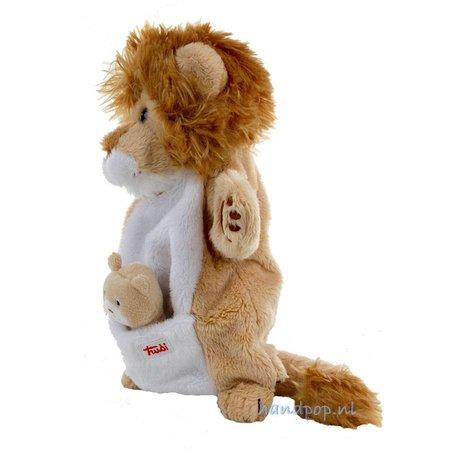 Trudi leeuw met jong