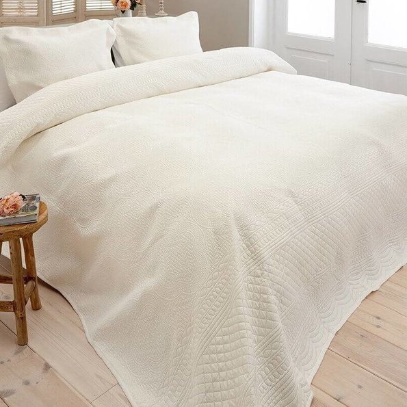Sleeptime Bedsprei Charlene - Creme