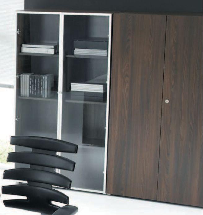 mito armoire avec portes en verre bois brand new office. Black Bedroom Furniture Sets. Home Design Ideas