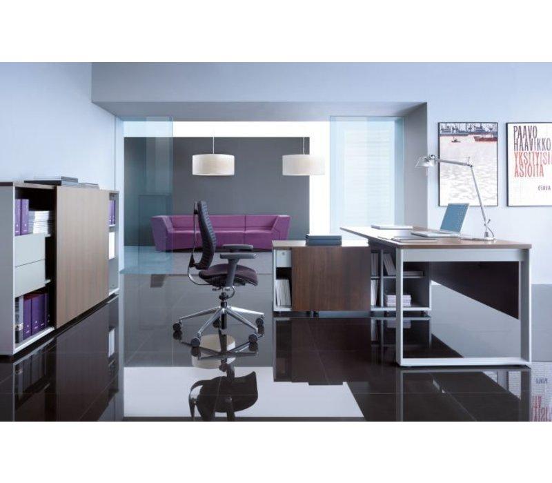 ogi q bureau avec meuble bas brand new office. Black Bedroom Furniture Sets. Home Design Ideas