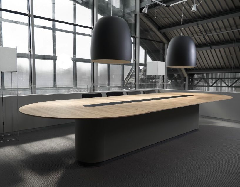 spazio table de conf rence brand new office. Black Bedroom Furniture Sets. Home Design Ideas