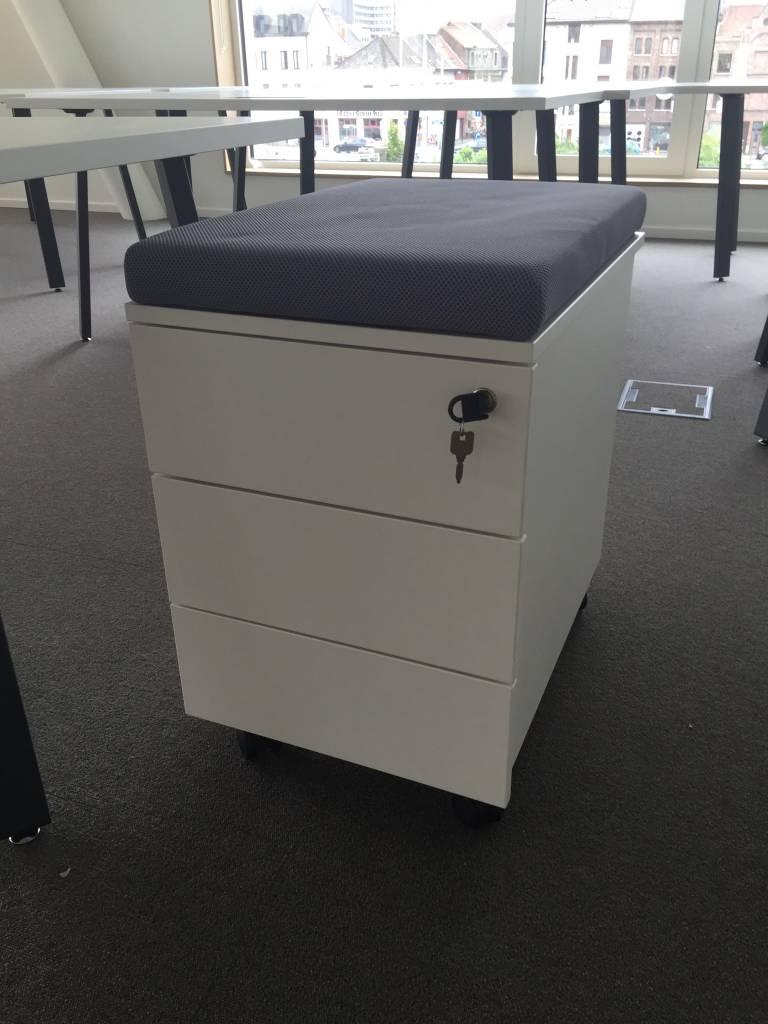 Basic ladeblok met zitkussen brand new office for Het ladeblok