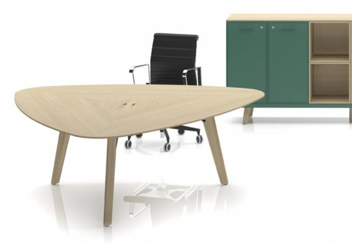 Bralco Rail Delta desk