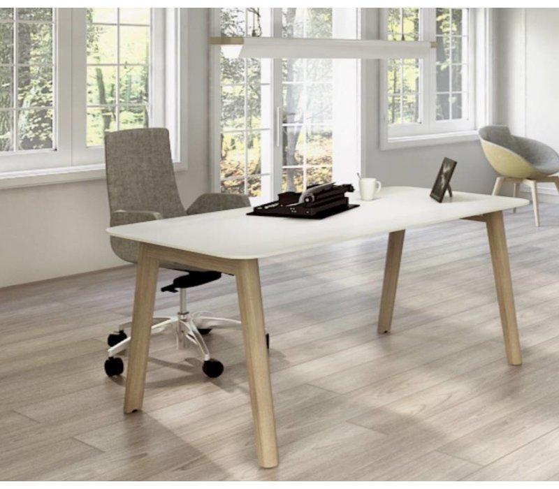 Nova wood kantoormeubelen